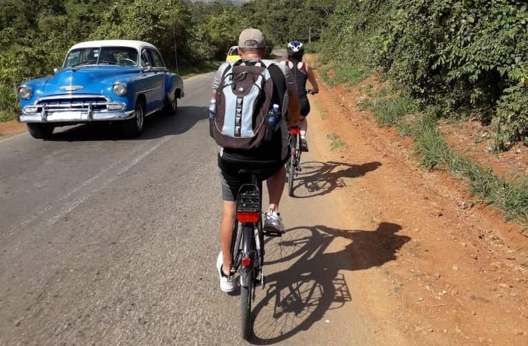 paseo en bici por el campo